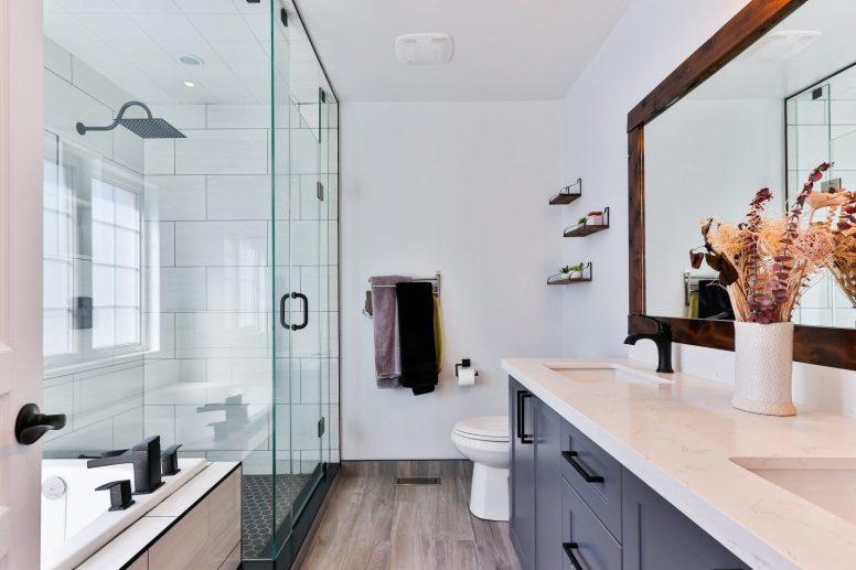 Prysznic bez brodzika, z niskim brodzikiem czy z klasycznym brodzikiem?